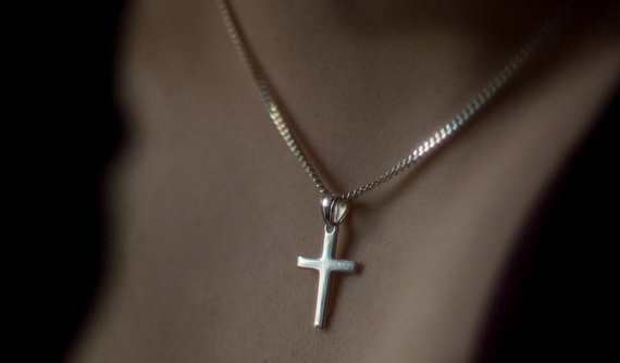 cross-necklace-570x334